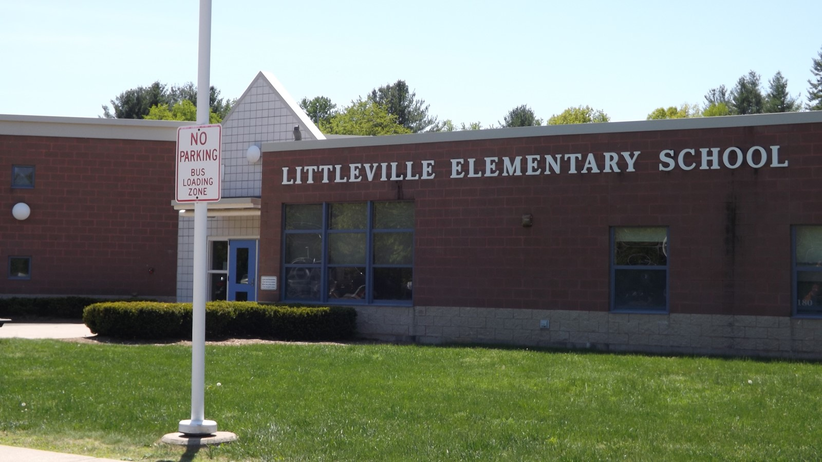 Mission Statement: We the faculty and staff at Littleville Elementary School, believe in the unique potential of each child to learn and contribute to their community. With the support of parents and the community of Littleville Elementary it is our goal to facilitate the development of the intellectual ability, personal responsibility and positive self-esteem of our students.     Vision: The Littleville Elementary School will promote respect and provide a positive quality education for all students.