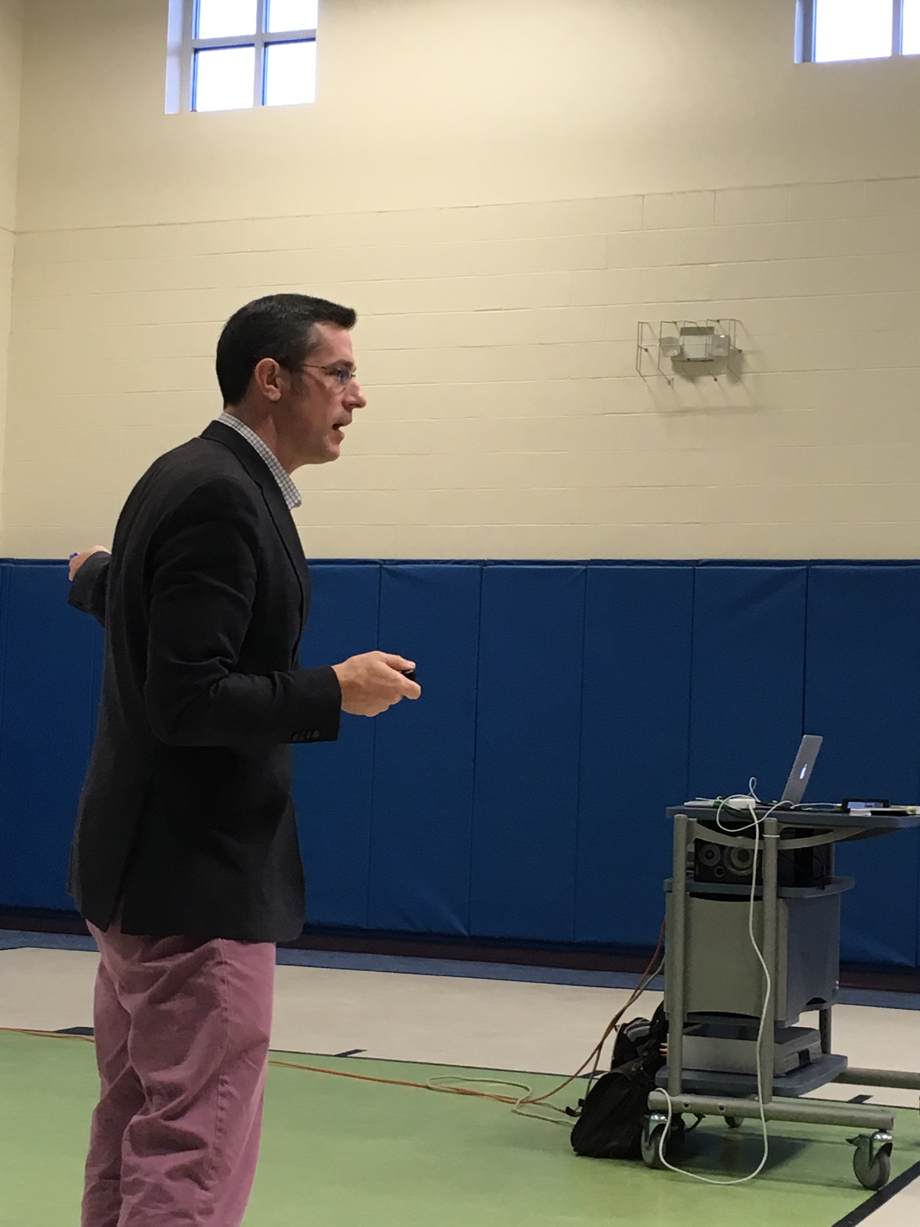 Photo of award winning math teacher Mike Flynn, presenting to parents on March 16